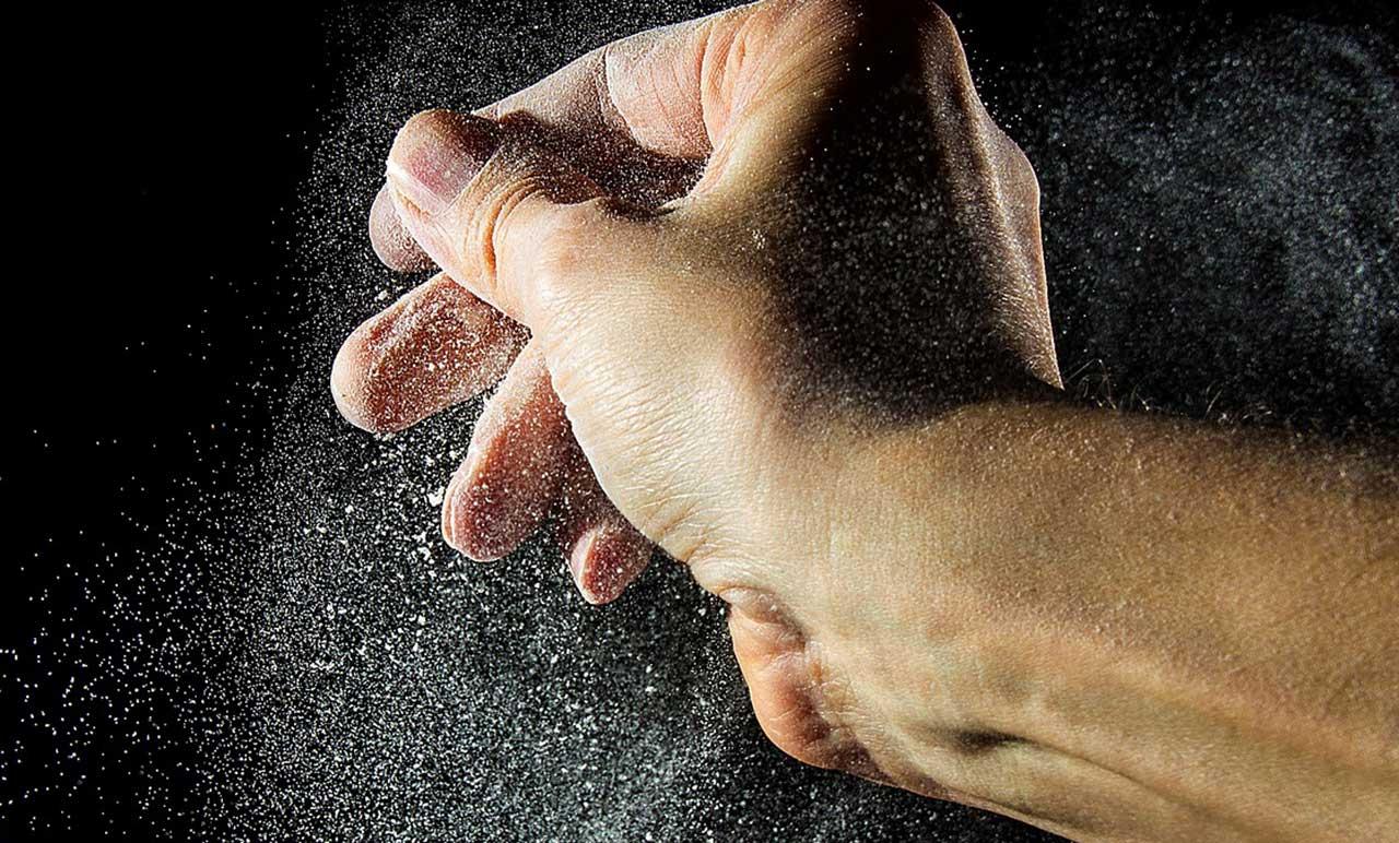 Puder gegen Juckreiz auf den Händen und anderen Körperstellen.