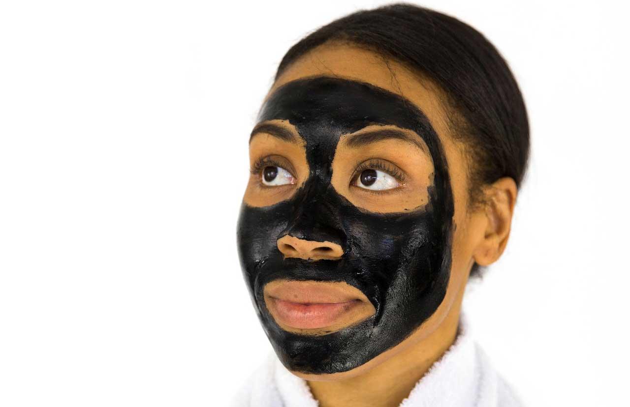 Gesichtsmaske gegen Pickel - Wirkungsvolle Stoffkombinationen gegen Entzündungen